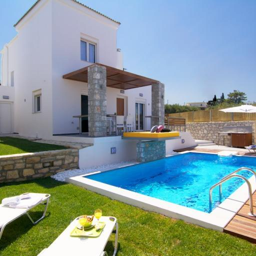 2 storey 125m² villa located in the picturesque village of Loutra.