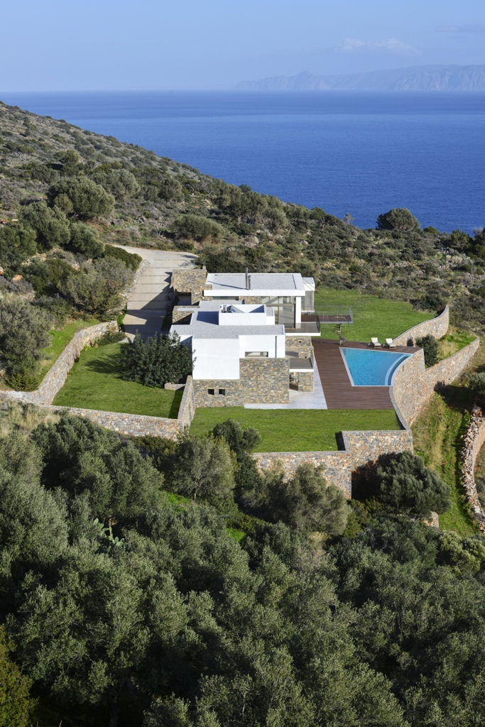 Luxurious villa of 500sqm for sale in Elounda