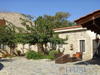 Τraditional stone house 236 m²