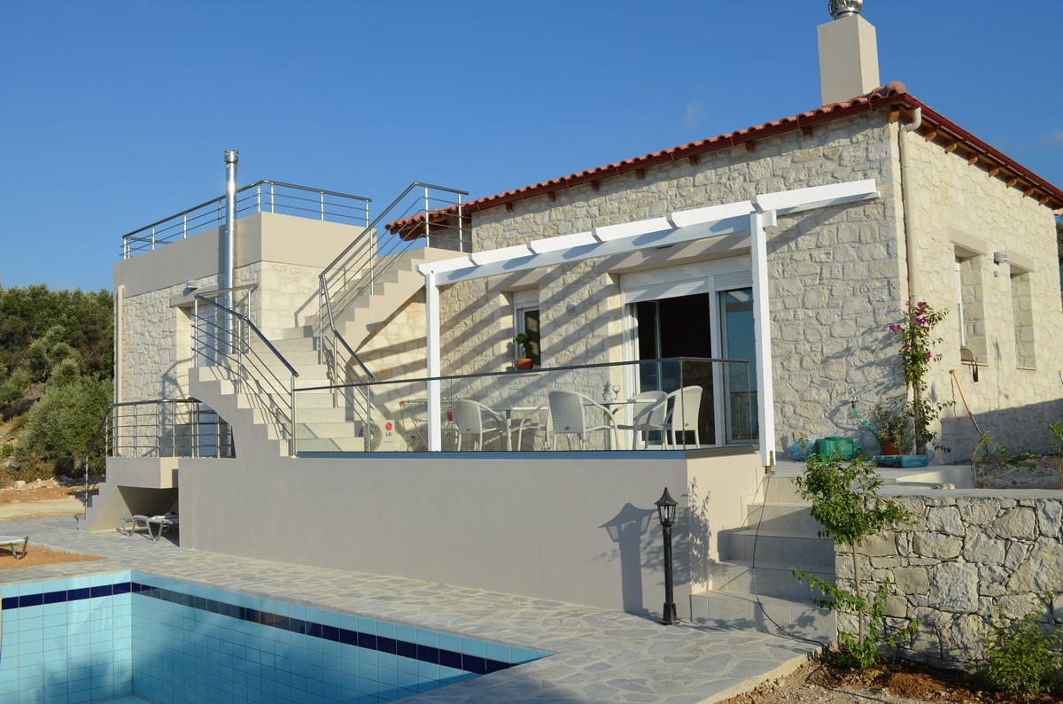 Villa stonebuilt with guest room, 3 bedrooms
